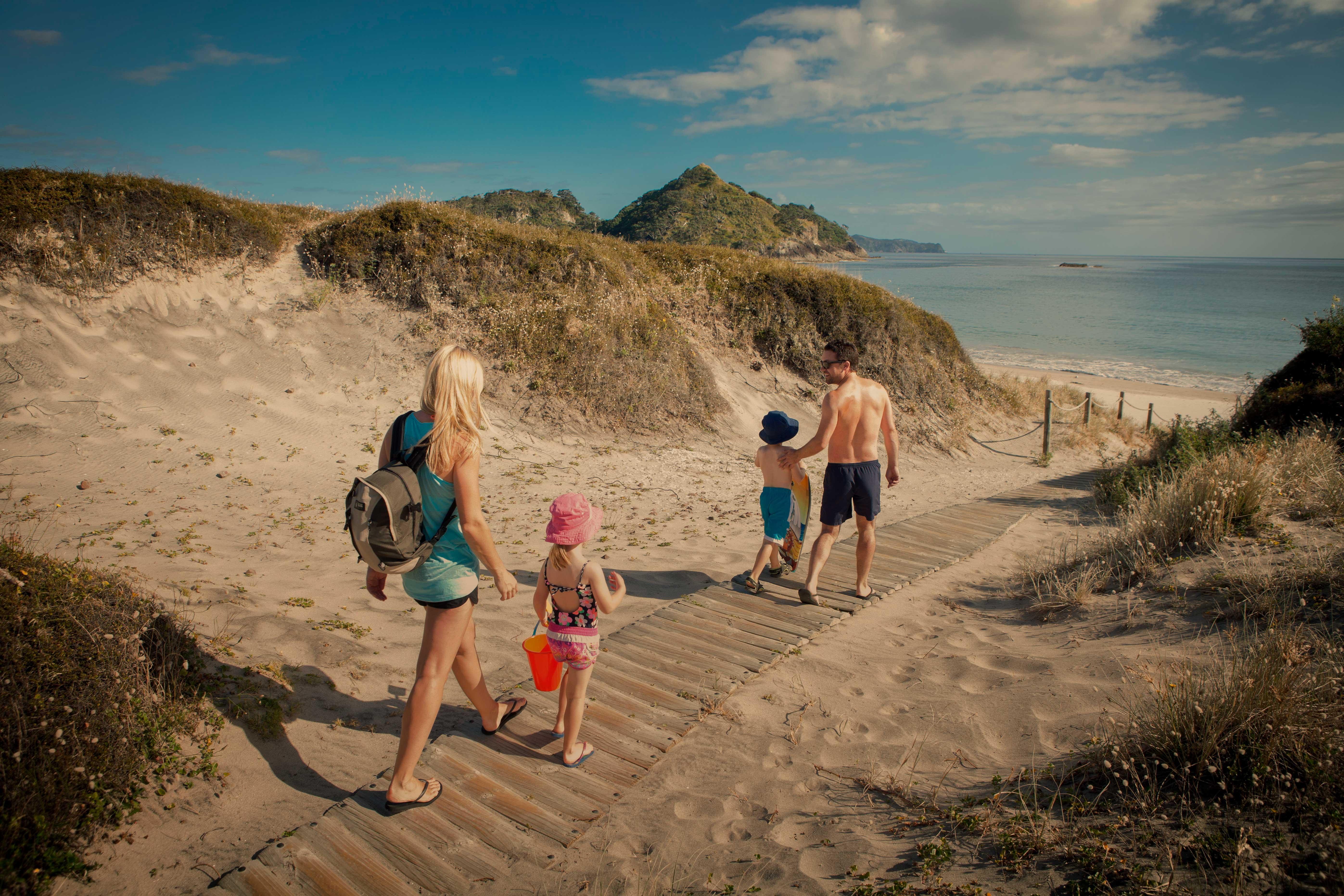 header-family-beach